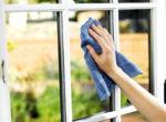 kā tīrīt logus